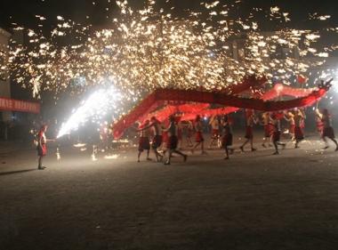 Tongliang dragon dance performance
